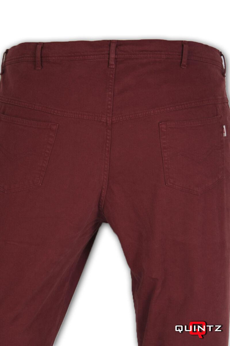 nagy méretű bordó nadrág hátulról