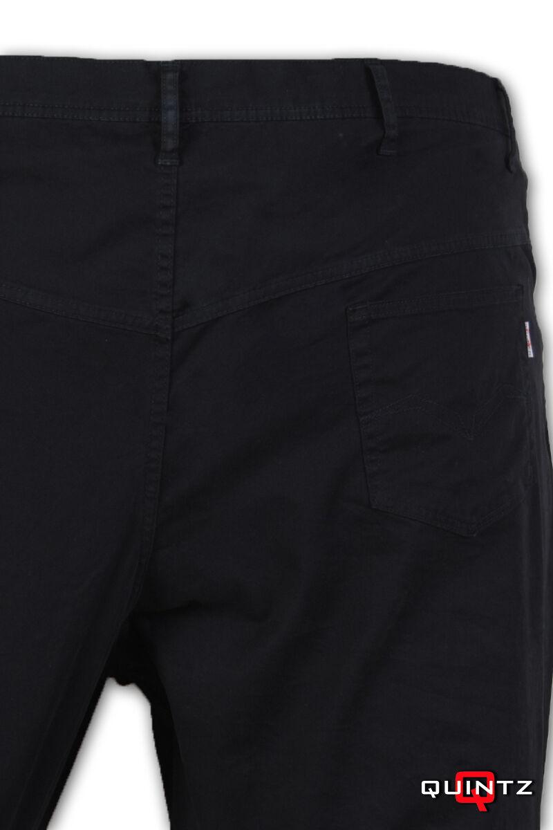 nagy méretű nadrág hátulról