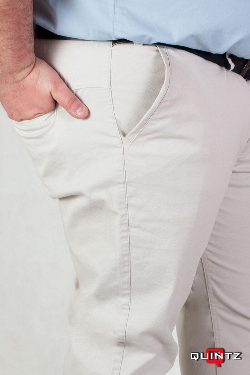 vágott zsebű világos nadrág