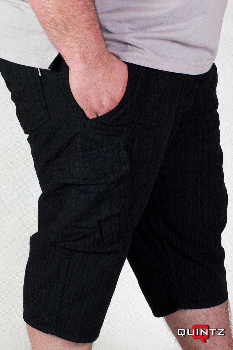 fekete nagyméretű rövidnadrág